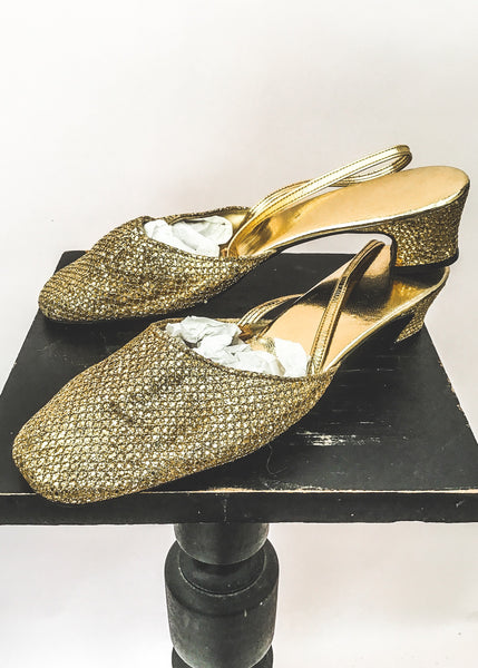 1960s Vintage Glitter Gold Slingback Sandals Shoes • size 5.5