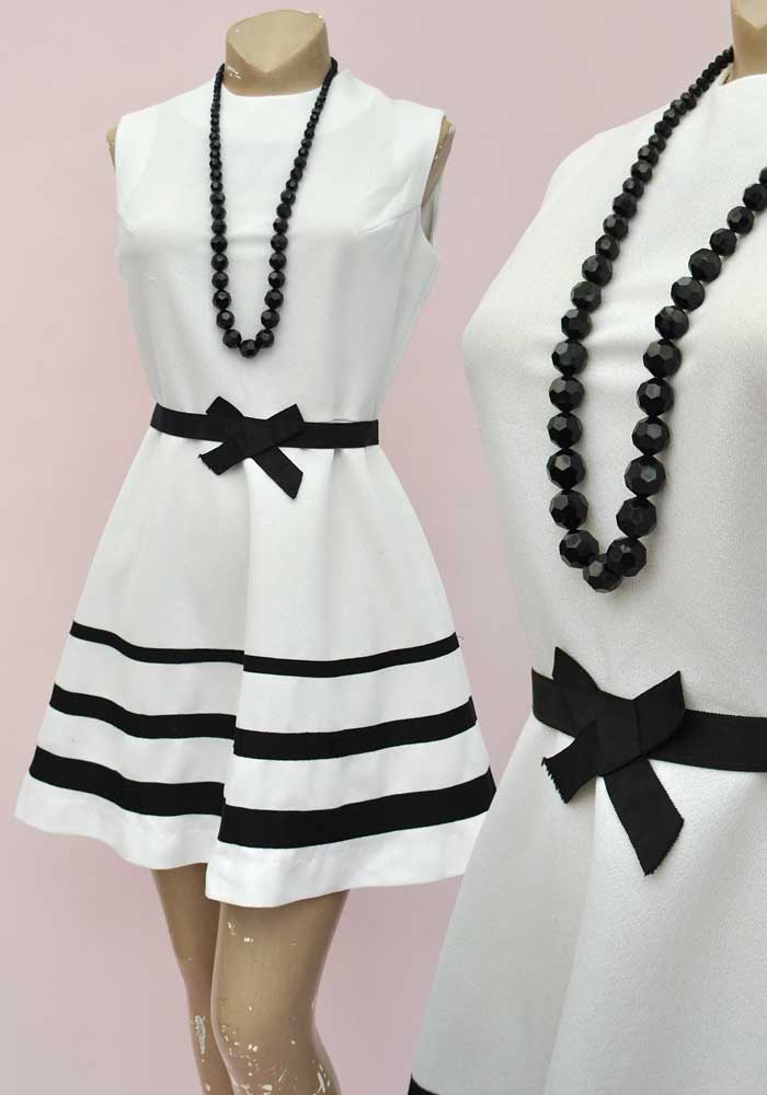 Vintage 60s White Striped Mini Dress • Mod • Go-Go • Scooter Dress • Liza Petite