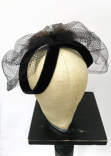 1950s Vintage Black Velvet Fascinator Hat with Net Veil
