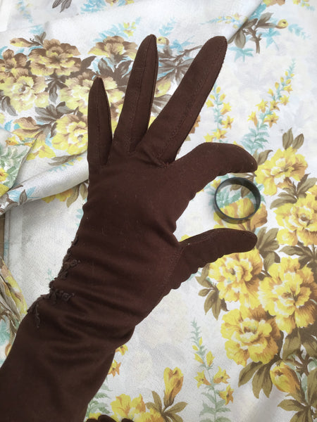 Purchase original 1940s vintage brown cotton gloves with hand embroidery detail and made in The British colony of Hong Kong, they are super quality vintage 40s gauntlet gloves.