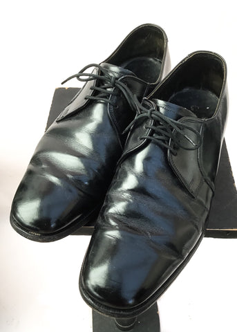 Buy vintage black leather royal sceptre shoes by cheaney in a mens size 8.