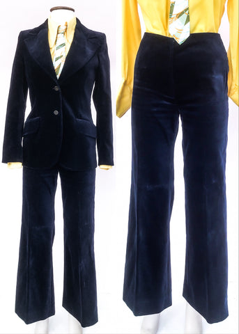 Fantastic 1970s velvet trouser suit in blue cotton velvet with wide lapels and flares