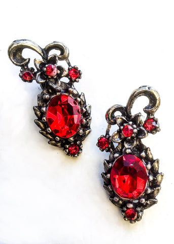 Vintage Sparkly Red Crystal Glass Clip On Earrings