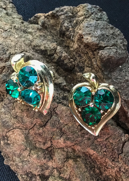 1960s Apple Shaped Emerald Rivoli Glass Screw On Earrings