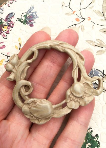 1990s Round Art Nouveau Revival Resin Flower Wreath Brooch
