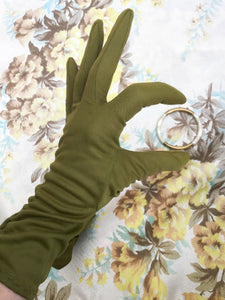 Buy olive green vintage day gloves, perfect for goodwood revival