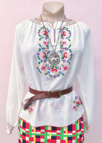 Vintage Long Sleeve White Embroidered Peasant Blouse • Boho Gypsy Top