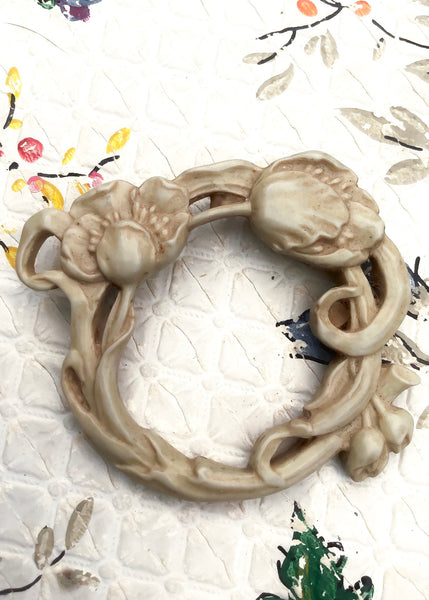 Resin art nouveau style poppy wreath brooch