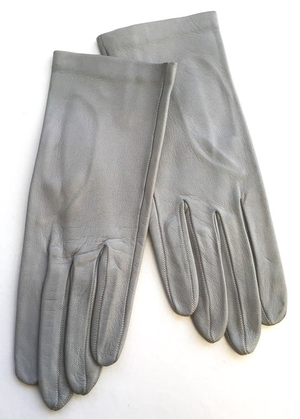 1960s Vintage Dove Grey Leather Gloves • Wrist Length Gloves • Size 7
