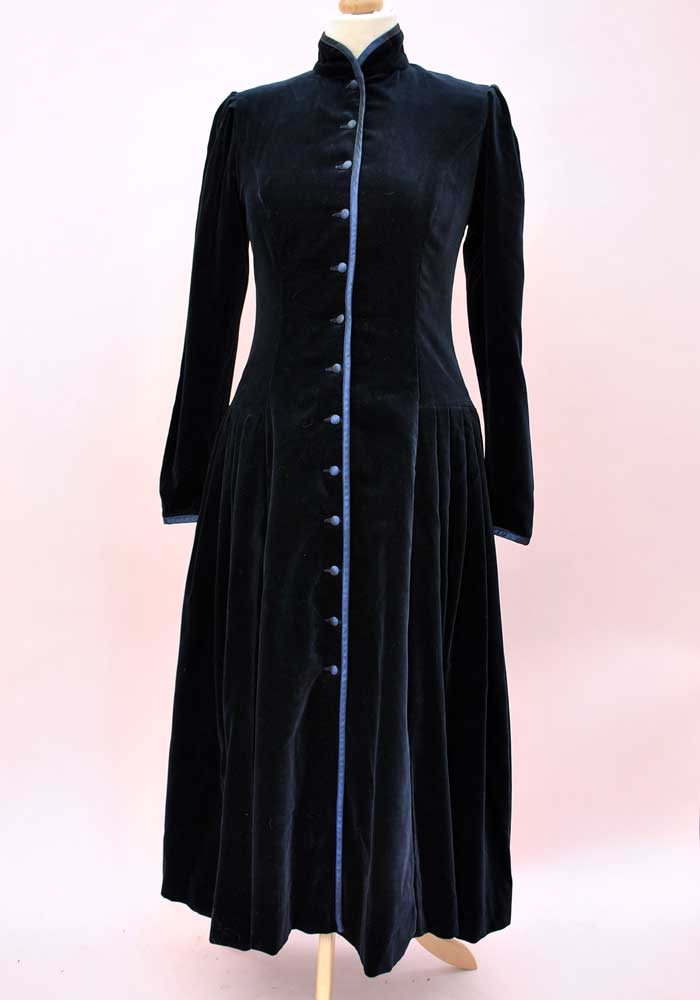 vintage laura ashley midnight blue velvet victorian coat dress size top notch vintage. Black Bedroom Furniture Sets. Home Design Ideas