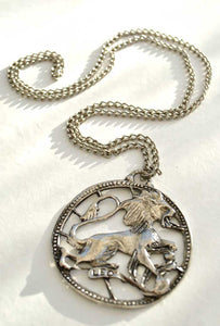 vintage 70s leo the lion zodiac pendant necklace