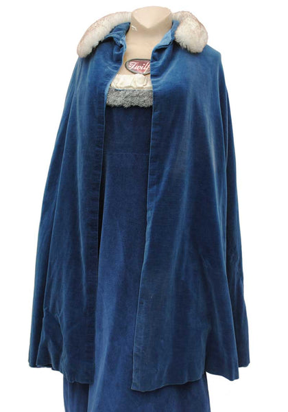 1950s Blue Cotton Velvet Evening Cape with Faux Fur Collar