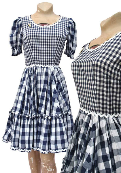 blue and white gingham dress, line dancing