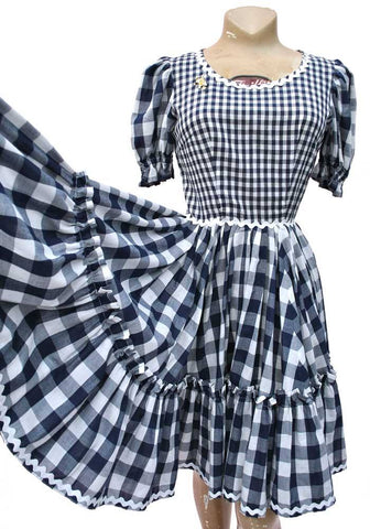 vintage rockabilly gingham dress for a barn dance