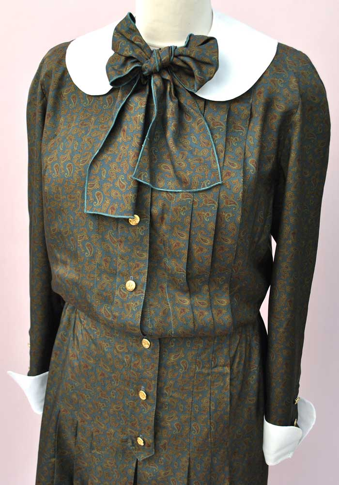 removable peter pan collar and cuffs