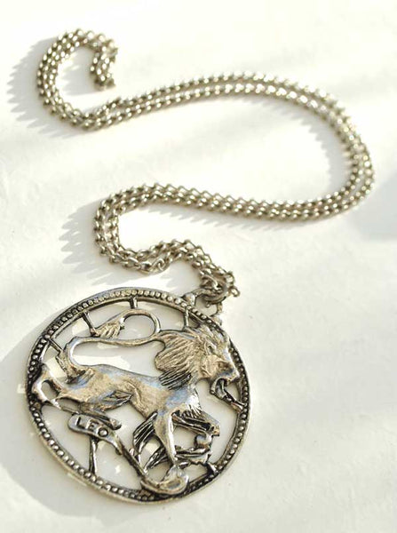 1970s Vintage Leo the Lion Zodiac Pendant Necklace on a Chain