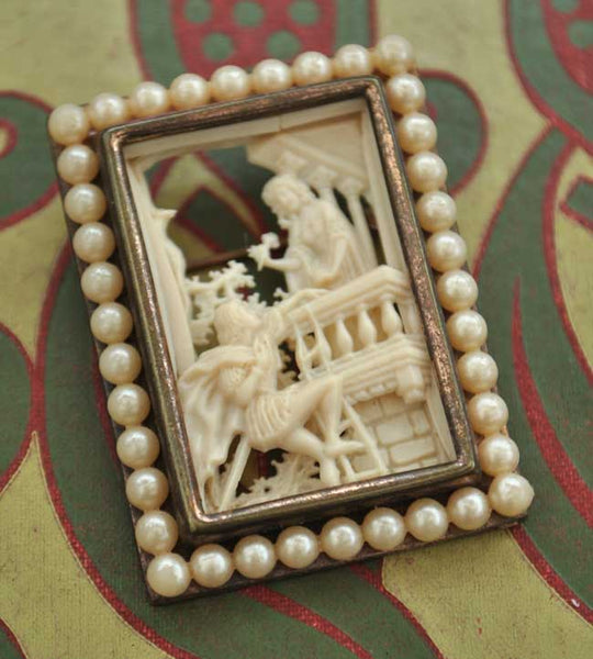 1930s Vintage Deco Celluloid Romeo and Juliet Diarama Brooch Pin • Faux Seed Pearls