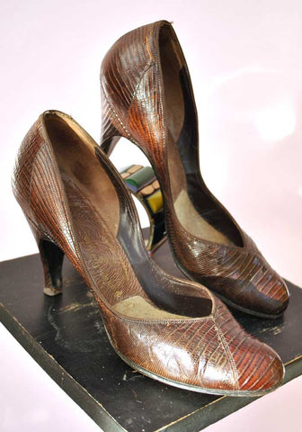 vintage 40s snakeskin pumps shoes