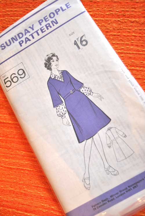1970s Sunday People Dress Pattern 569