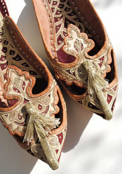 Traditional Aladdin Turkish Slippers with Metallic Gold Tassels