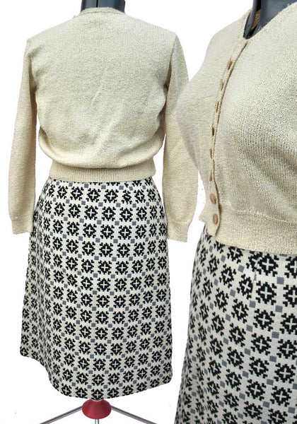 "1960s Vintage Beige Welsh Wool Pencil Skirt • 30"" Waist"