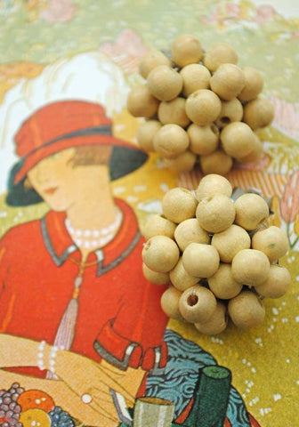 vintage 1940s miriam haskell era dyed wood bead earrings