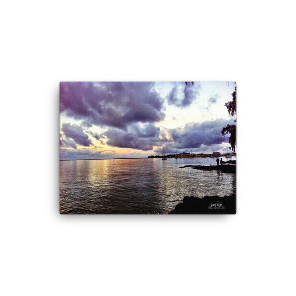 Hilo Bay Fishermen at Dusk Giclée Photo Canvas Print - Size: 12x16