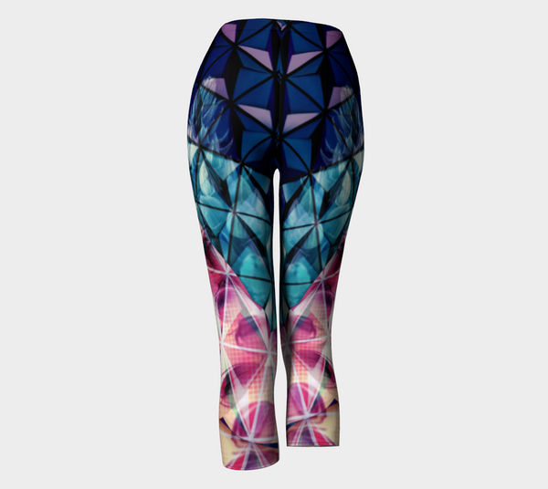 Geodesic Floral Capri Leggings