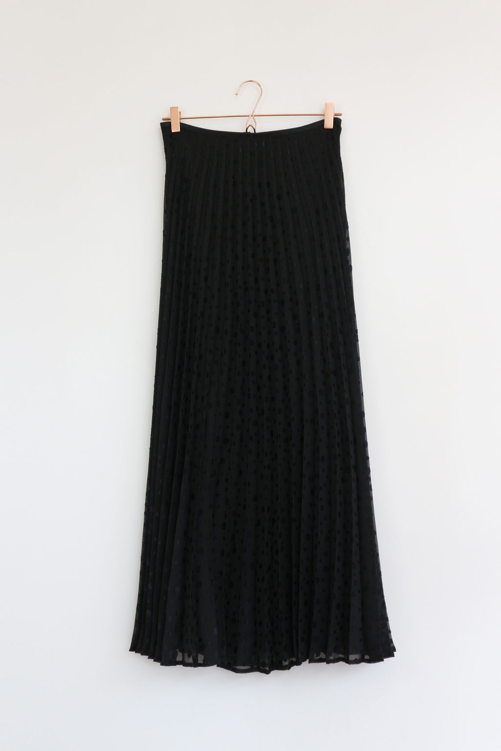 Stingray Maxi Pleated Skirt Black Dot