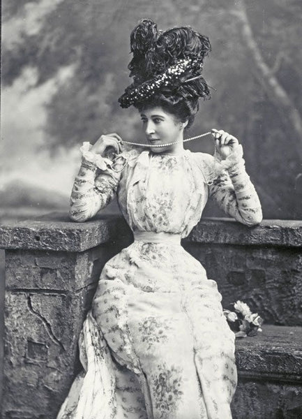 A Professional Beauty: Lillie Langtry & Victorian Celebrity