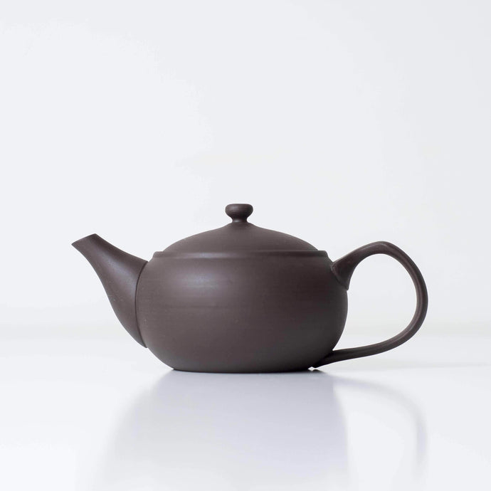 BLACK UMAKO KYUSU | Japanese Teapot - Zen Wonders Tea