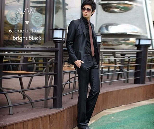 Slick Young Men's Fashion Suit