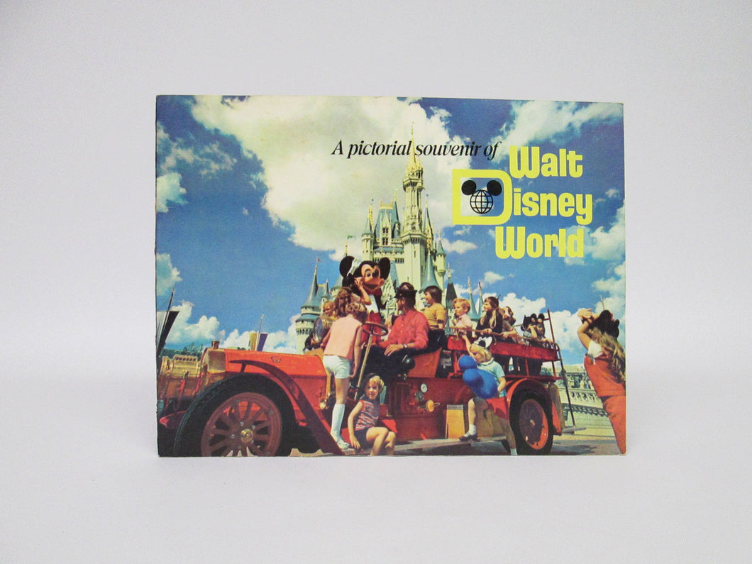 A Pictorial Souvenir of Walt Disney World (Rare) (1972)