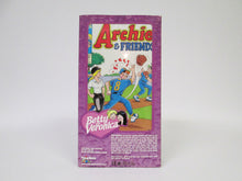 Archie Comics Veronica Doll with comic book (Playing Mantis)(2000)