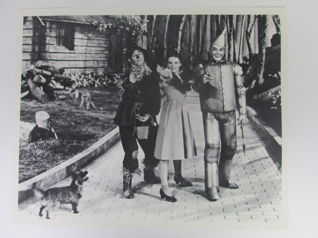 Wizard of Oz Dorothy, Toto, Scarecrow & Tin Man 8x10 B&W Movie Still
