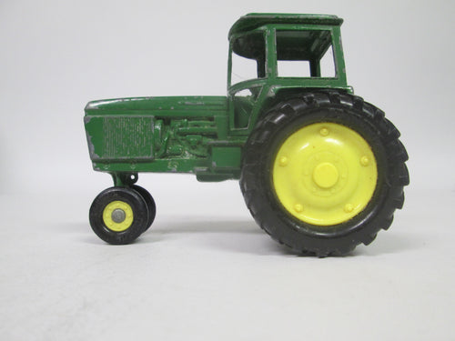 John Deere Green Metal Tractor Model (Pre-owned)