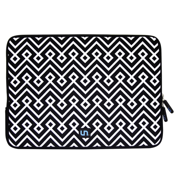 Neoprene Sleeve MacBook 15 inch Loom Knots BW