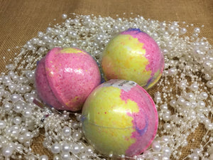Bath Bomb Champagne Strawberries