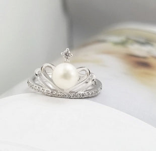 Silver fresh water pearl crown ring