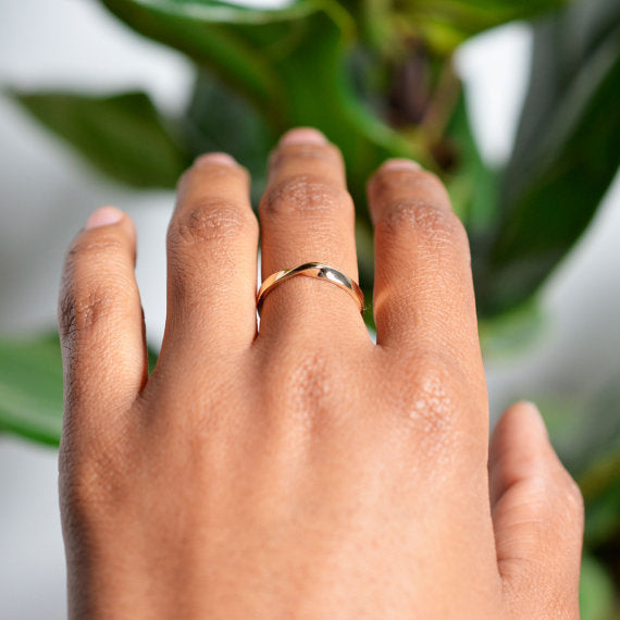 Ribbon Gold Ring
