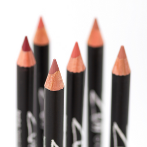 Zuii Organic Lipliner Pencil to Naturally Define Lip Line