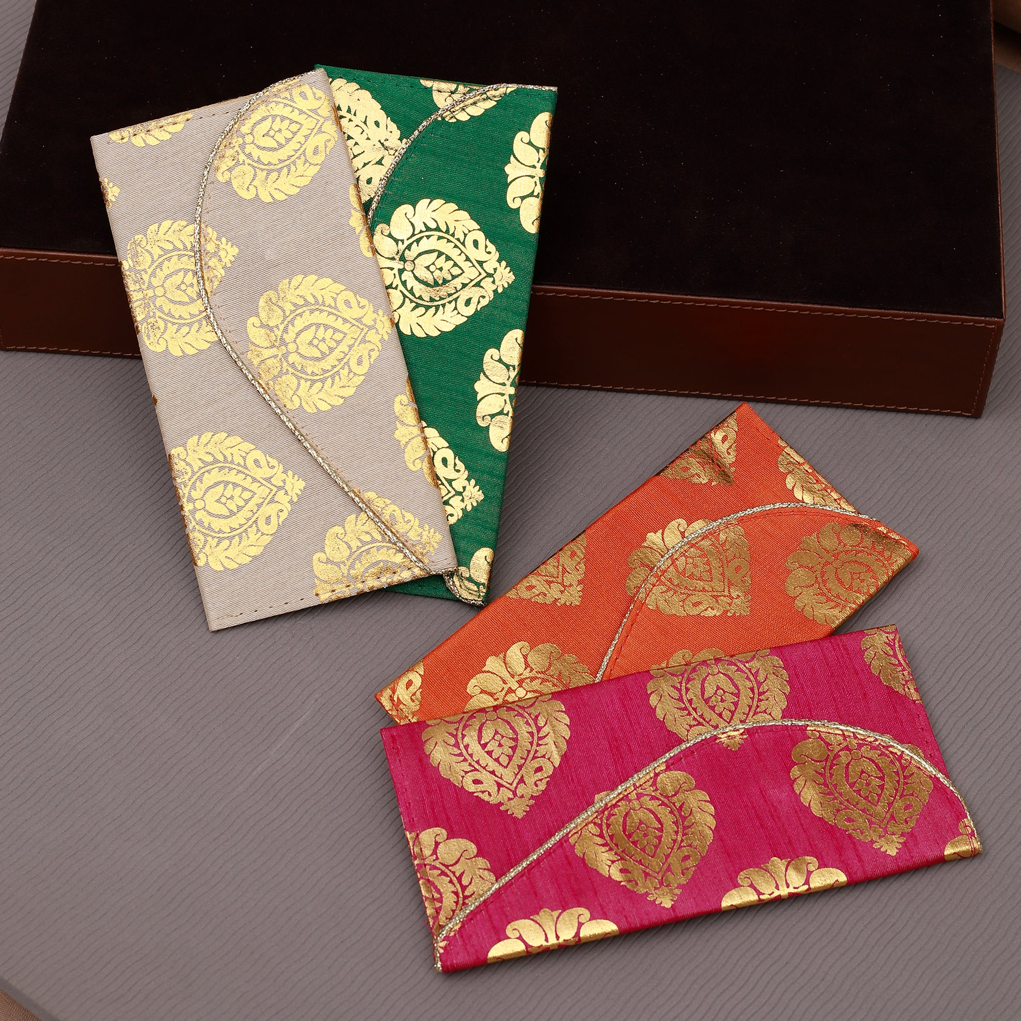 The Auspicious Leafy Sagan Lifafa (Set of 4)