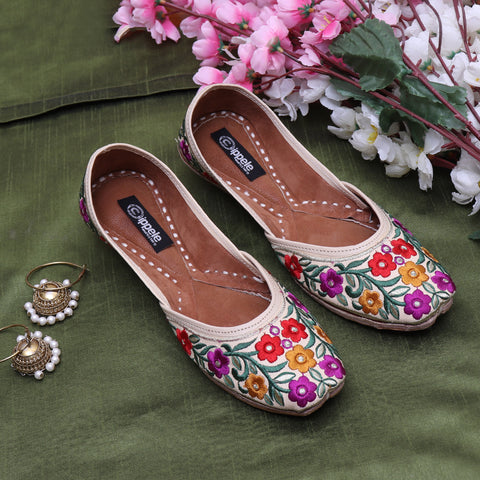 Foot Wear,Fabulous For Feet Jutti with bold  thread flowers - Cippele Multi Store