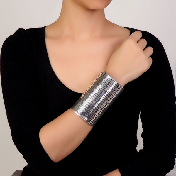 Hand Cuff,Don't Care Brass Handcuff in Silver - Cippele Multi Store