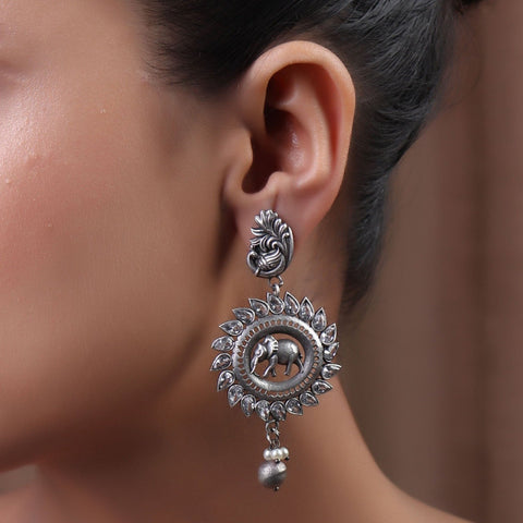 Earrings,The Vaaran Brass Silver Look Alike Earring - Cippele Multi Store