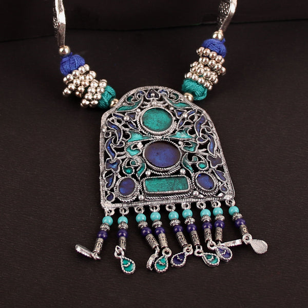 The Gleamy Gateway Necklace in Blue & Green