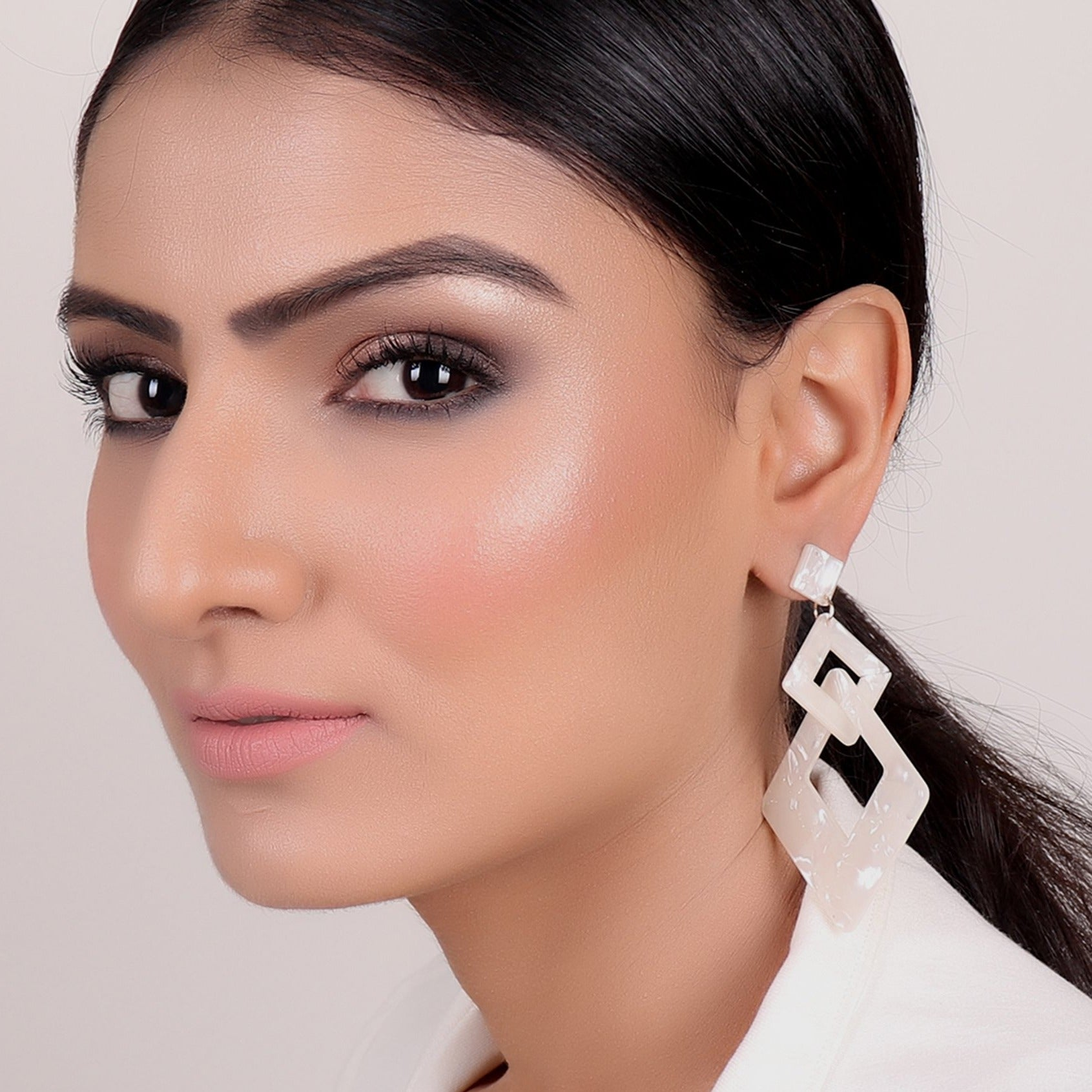 Earrings,Off White Danglers - Cippele Multi Store