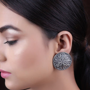 Earrings,The Soft Petal Silver Look Alike Stud - Cippele Multi Store