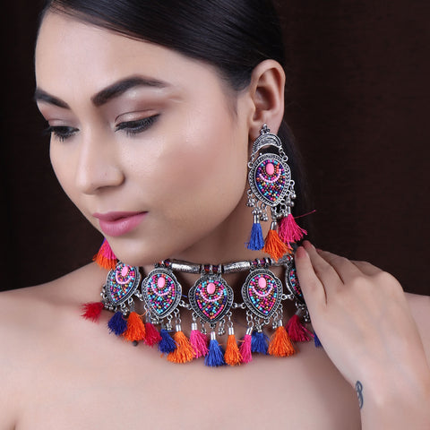 The Fireflies Tassels Necklace Set in Multicolor