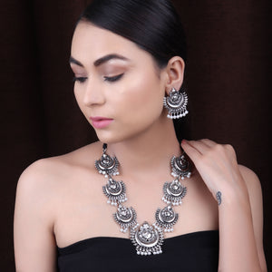 The Divine Ganesha Necklace Set in Silver